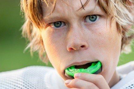 آیا ورزشکاران میتوانند تحت درمان ارتدنسی قرار گیرند؟